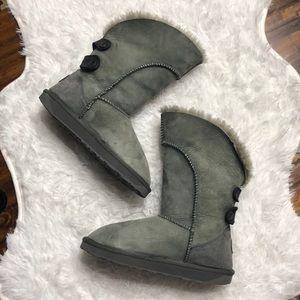 Emu fold over boots